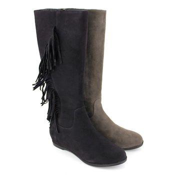 【GREEN PHOENIX】牛仔垂墜流蘇牛麂皮平底長靴-咖啡色、芋色