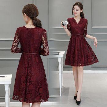 【理子時尚】V領繡花蕾絲氣質長袖連衣裙(共二色)