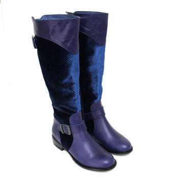 【GREEN PHOENIX】BIS-VITAL 壓花紋繞踝皮飾扣絨布拼接義大利臘皮低跟長靴-藍色