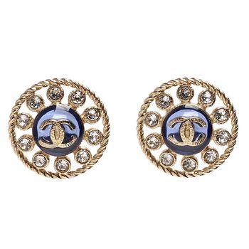 CHANEL 香奈兒經典雙C LOGO水鑽鑲嵌簍空造型穿式耳環(金)