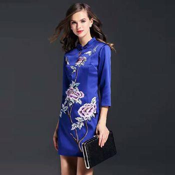 【糖潮】花朵刺繡改良式旗袍中袖洋裝(共二色)