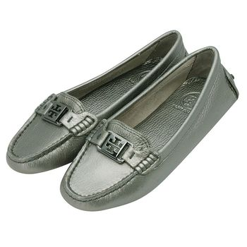 TORY BURCH 銀灰簍空LOGO珠光荔枝紋牛皮經典豆豆平底娃娃鞋(灰色)