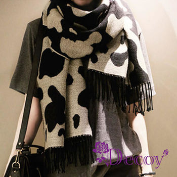 【Decoy】聖誕禮物首選-乳牛牧場*仿羊絨雙面雙色流蘇圍巾 再送觸控手套