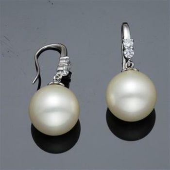 【蕾帝兒珠寶】情意白色深海貝珠耳環