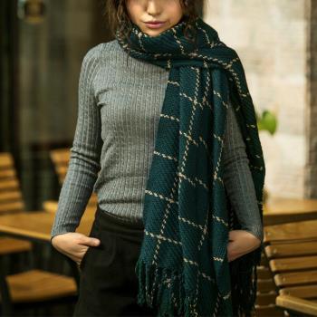 【幸福揚邑】韓版冬季經典百搭情侶粗毛線格子加長披肩圍巾-綠