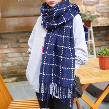 【幸福揚邑】韓版冬季經典百搭情侶粗毛線格子加長披肩圍巾-藏青