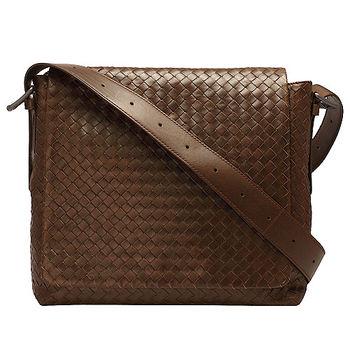 BOTTEGA VENETA 經典小牛皮編織翻蓋式斜背包(小-棕色)163971-2515