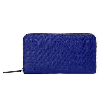 BURBERRY 經典浮雕格紋牛皮拉鍊手拿長夾(寶藍)3945566-BRI-BLUE