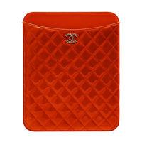 CHANEL 經典菱格紋小牛漆皮立體刻紋小香LOGO IPAD保護套(橘色)50974V-ORA-SS