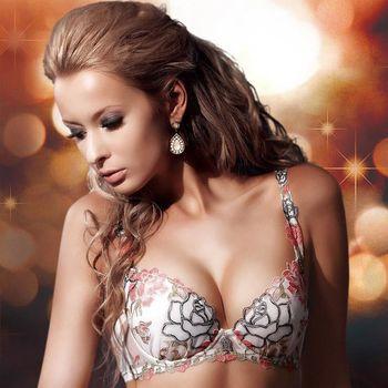 【華歌爾】莎露系列華麗刺繡蕾絲 B-D罩杯 內衣(優雅白)