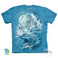 【摩達客】(預購)美國進口The Mountain 夜月海豚 純棉環保短袖T恤