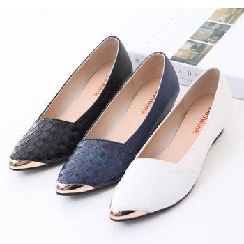 bellwink【B9607】金屬亮紋尖頭性感低跟鞋-白色/藍色/黑色