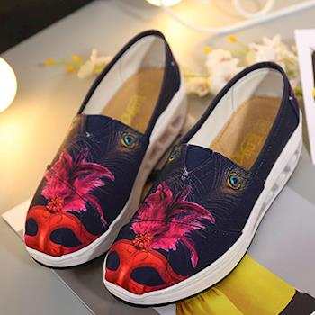 Alice 氣流式設計輕量圖騰百搭健走鞋(預購)