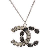 CHANEL 香奈兒經典雙C LOGO橢圓XT型水鑽鑲嵌墜飾項鍊(銀)