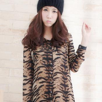 【lingling】全尺碼-時髦斑馬紋皮領鉚釘襯衫(率性咖)A1269-01