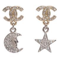 CHANEL 香奈兒經典CC LOGO星月造型水鑽鑲嵌吊飾穿式耳環(金)