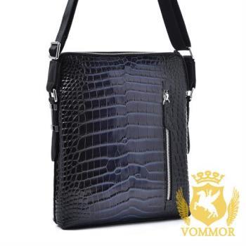 【VOMMOR 羅門】頂級Abel鱷魚腹紋全牛皮斜肩包V0146(經典藍)