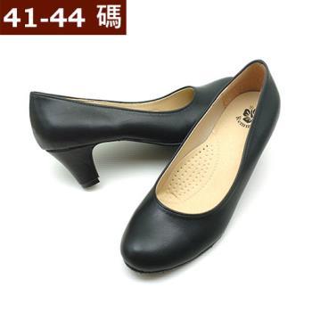 【 101大尺碼女鞋】MIT 實穿乳膠透氣素面低跟鞋  (黑霧)  062129060-154