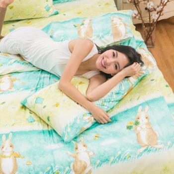 eyah宜雅 全程台灣製100%頂級精梳棉新式兩用被雙人床包被套五件組-綠色原野上的小兔旅人