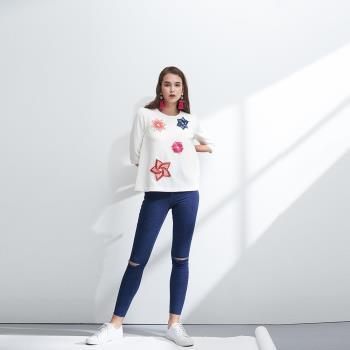ICHE衣哲 設計款幾何拼貼鑲飾造型上衣-白
