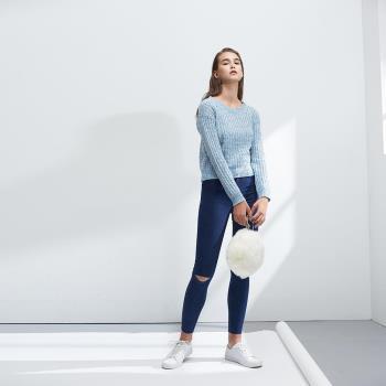 ICHE衣哲 簡約時尚百搭短版混色造型粗針織上衣-藍-,