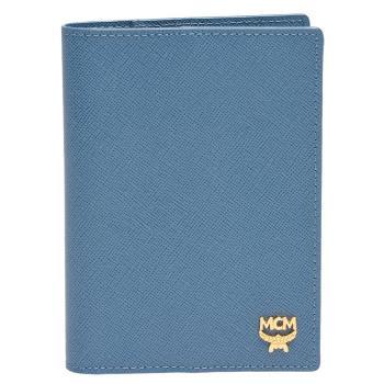 MCM 經典品牌金屬LOGO防刮皮革護照夾(矢車菊藍)