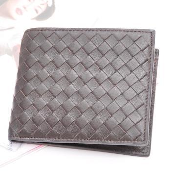 【Yasmine】巴黎時尚風羊皮編織中性短夾(咖啡色)