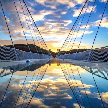張家界天子天門雙山玻璃橋+鳳凰古城8日(無購物)春季旅遊