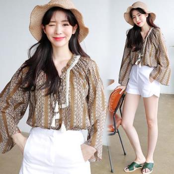韓國K.W. 微醺法式繡花短上衣