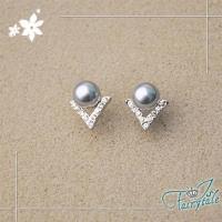 伊飾童話 字母鑽型 銀灰珍珠水鑽耳環
