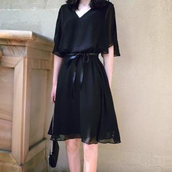 SCL綁帶雪紡5分袖黑色連身裙洋裝 (L~4L)