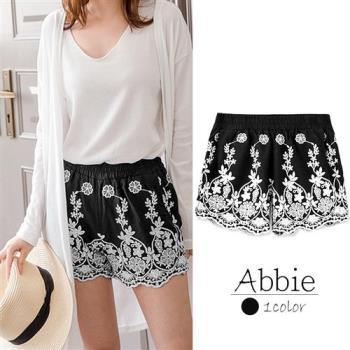 【Abbie】夏季精美花朵刺繡風短褲