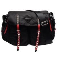 PRADA 經典三角鐵牌LOGO雙色皮革飾邊鉚釘鑲嵌穿釦尼龍肩/斜背包(黑X紅)