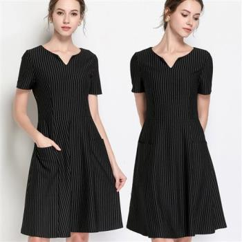 麗質達人 - 3001黑色條紋V領洋裝