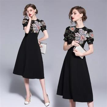 M2M 優雅黑復古花卉刺繡公主袖洋裝L~2XL