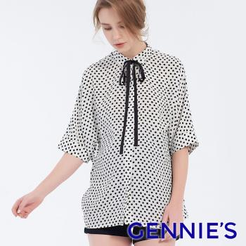 Gennies奇妮-復古圓點造型綁帶上衣-白底黑點(T3F06)