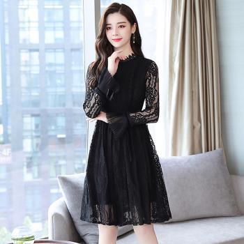 REKO-典雅黑色鏤空蕾絲氣質公主袖洋裝S~XL