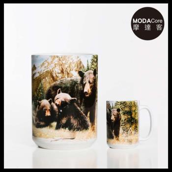 摩達客(預購)美國The Mountain 黑熊家族 圖案設計藝術馬克杯 440ml