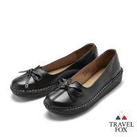 Travel Fox(女)  蝴蝶輕飛 舒適牛皮微坡跟叉口娃娃休閒鞋 - 嬌黑