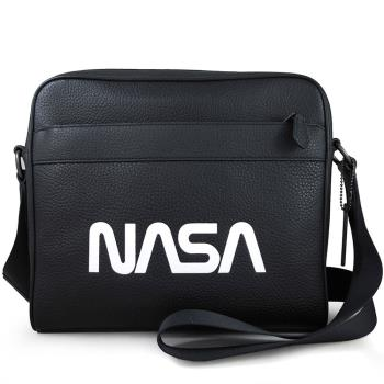 COACH 太空系列NASA 素面荔枝紋全皮革斜背方包(黑色)