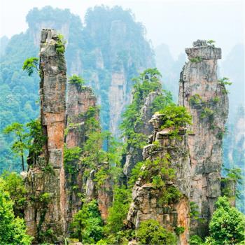 長沙張家界鳳凰古城天門山玻璃橋寶峰湖8日(無購物無自費送小費)旅遊