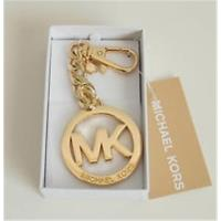 MICHAEL KORS 經典MK LOGO 鑰匙圈/包包吊飾 --金色