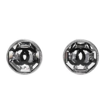 CHANEL 經典雙C LOGO圓形滾邊琉璃鑲嵌造型夾式耳環(銀)