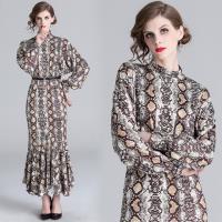 【M2M】時尚大方魚尾裙襬印花洋裝M-2XL
