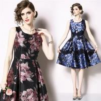 【M2M】修身顯瘦削肩A字裙印花洋裝S-2XL(共二色)