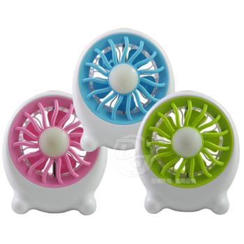 MINI FAN隨身型USB充電小風扇(附LED燈) AF003