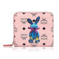 MCM 新款滿版LOGO兔兔款拉鍊短夾禮盒-粉色