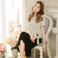 大尺碼-下擺側綁結橫紋+素色背心裙長版洋裝兩件式(時尚黑米白)lingling