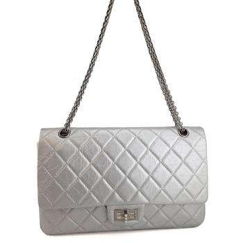 CHANEL 銀灰色羊皮銀鍊復刻2.55 CoCo包【九成新展示品】
