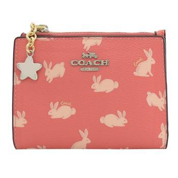 COACH 91200 金屬 LOGO 兔子印花對開扣式零錢短夾.粉橘